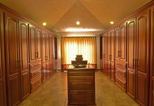 PVRPV - Master Closet