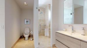 PVRPV - Bathroom