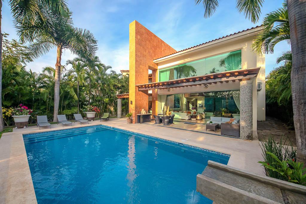Nuevo Vallarta West, 4 Bedrooms Bedrooms, ,4.5 BathroomsBathrooms,House,For Sale,Jacarandas,17606
