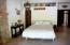 2nd Bedroom w. Murphy Bed