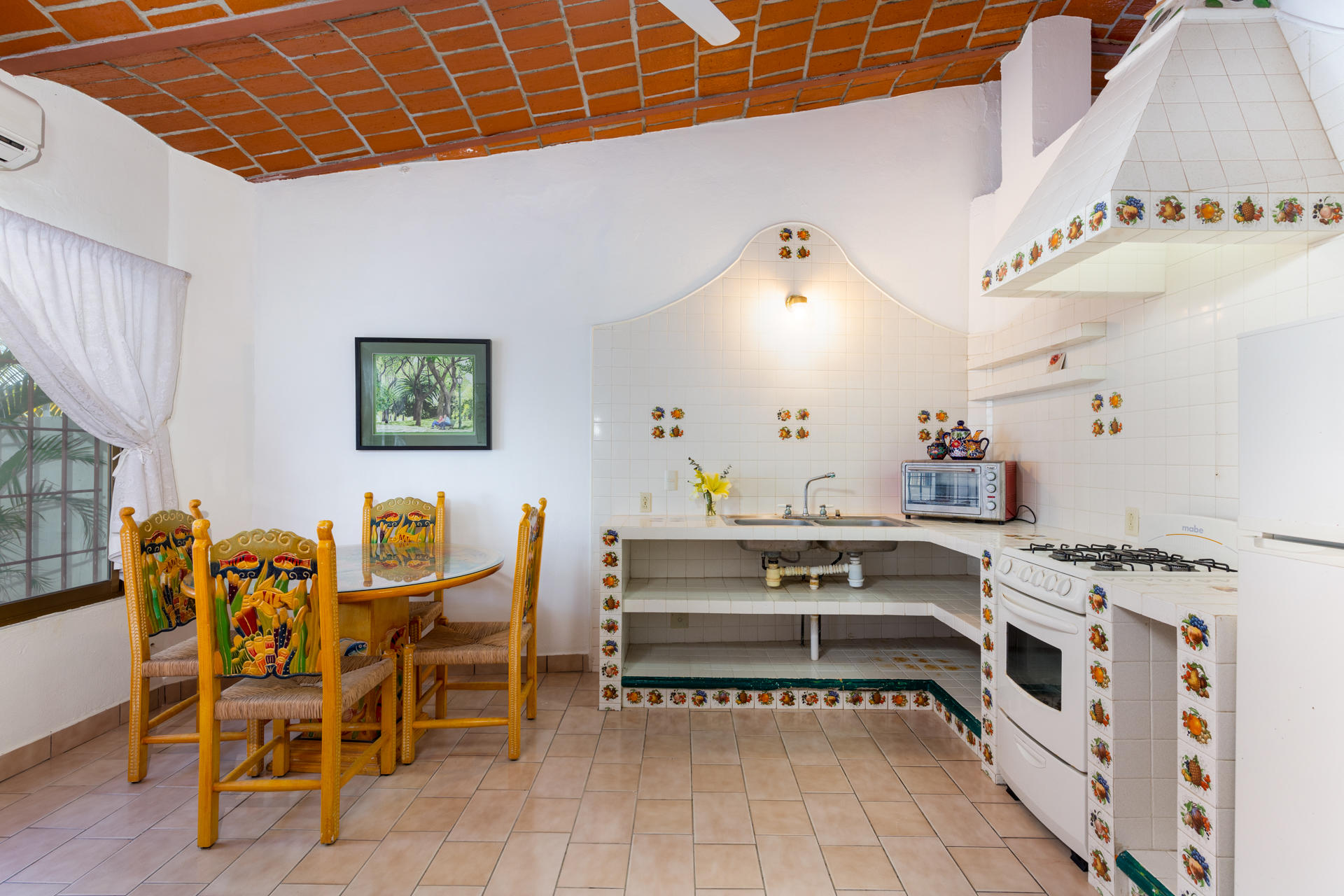 Guayabitos, 6 Bedrooms Bedrooms, ,9.5 BathroomsBathrooms,House,For Sale,Retorno Gaviotas,17702