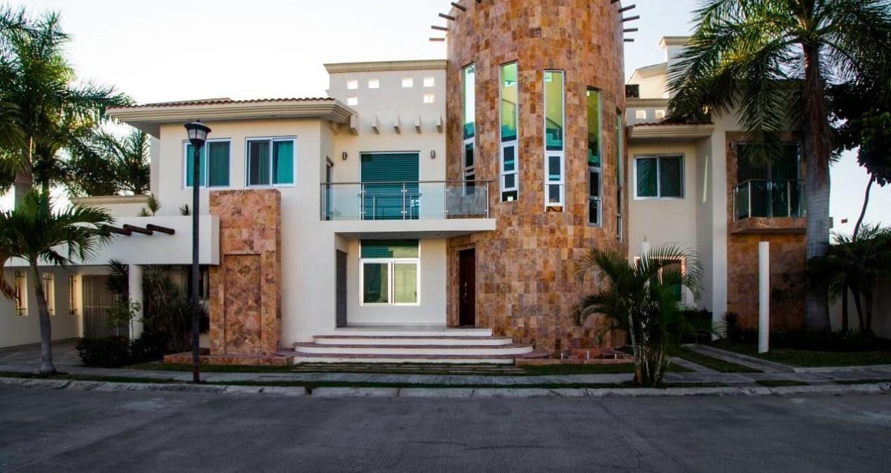 Jarretaderas, 4 Bedrooms Bedrooms, ,4.5 BathroomsBathrooms,House,For Sale,Playa La Cruz de Huanacaxtle.,18344