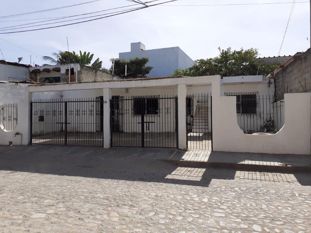 Casa & Negocio Villa L. Flores