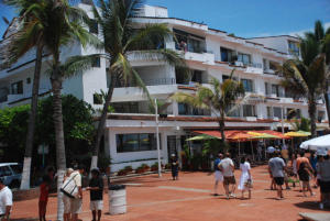 2 Libertad 302-303, Condominio Malecon, Puerto Vallarta, JA