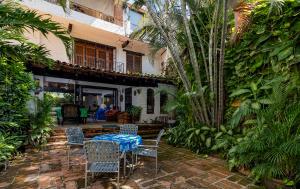 370 Pino Suárez, Casa de Los Almendros, Puerto Vallarta, JA