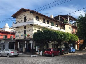 454 Lazaro Cardenas 2-1, Suites Lety, Puerto Vallarta, JA