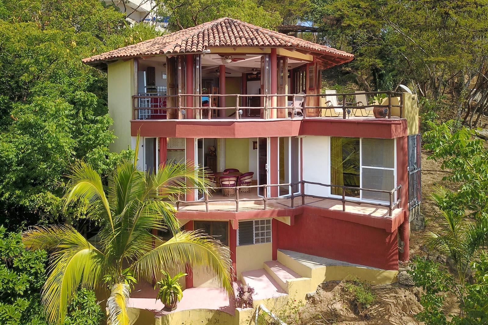 Sayulita, 4 Bedrooms Bedrooms, ,4.5 BathroomsBathrooms,House,For Sale,Calle Nanzal,20207