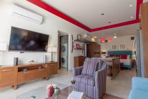 PVRPV - livingroom6