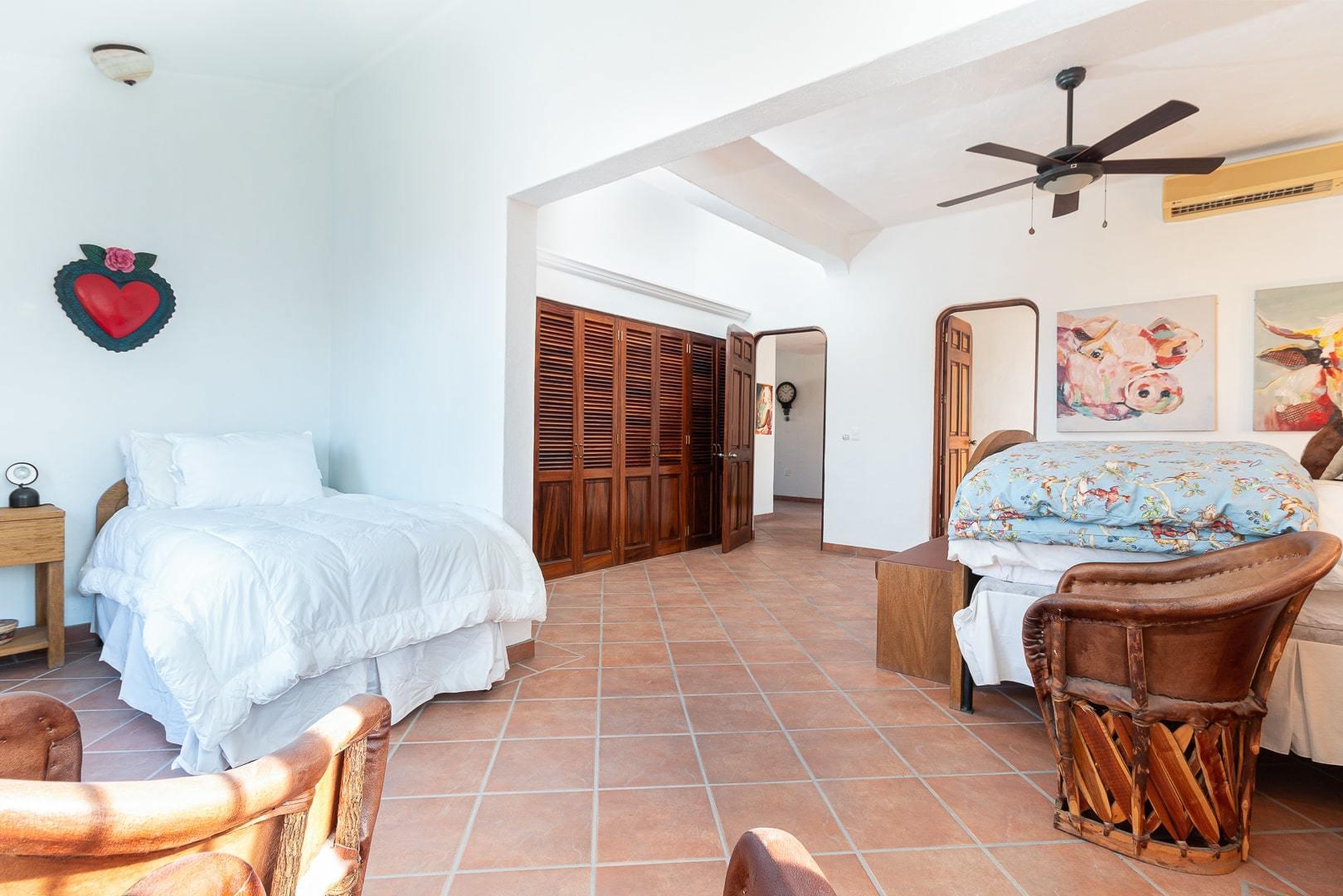 Bucerias, 4 Bedrooms Bedrooms, ,4.5 BathroomsBathrooms,House,For Sale,Javier Mina,20375