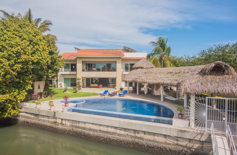 Nuevo Vallarta West, 6 Bedrooms Bedrooms, ,6.5 BathroomsBathrooms,House,For Sale,CERRADA DE LAS PLAYAS,20448