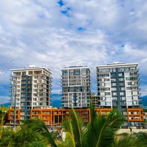 35 montessori 1001, zoho skies T3, Puerto Vallarta, JA
