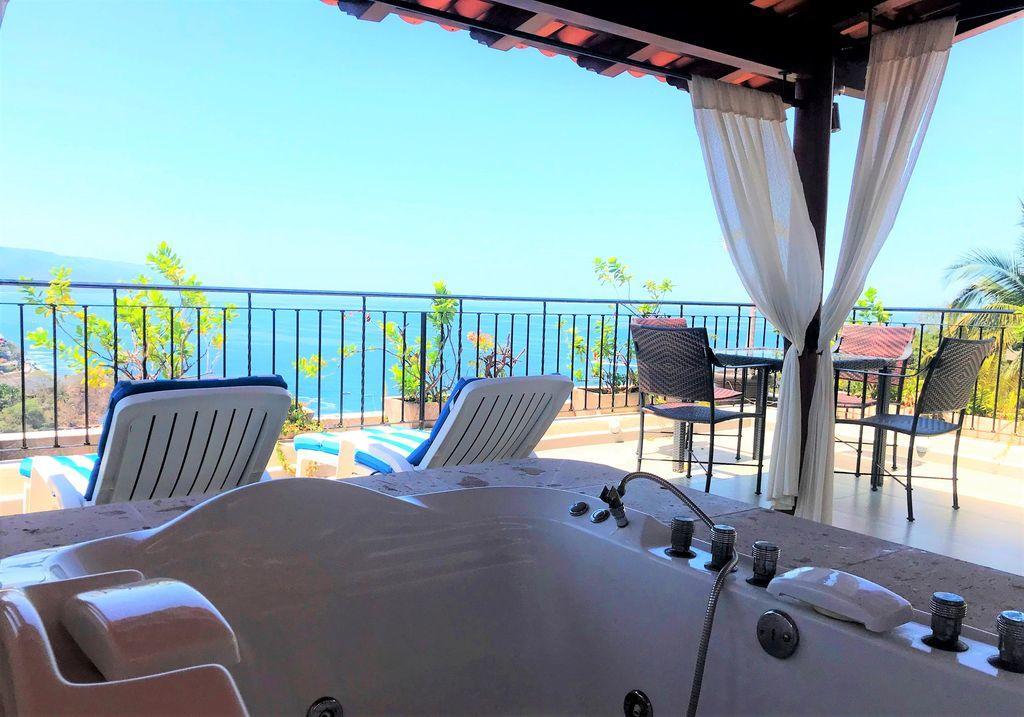 South Shore, 2 Bedrooms Bedrooms, ,3 BathroomsBathrooms,Condo,For Sale,Candida Azucena,20683