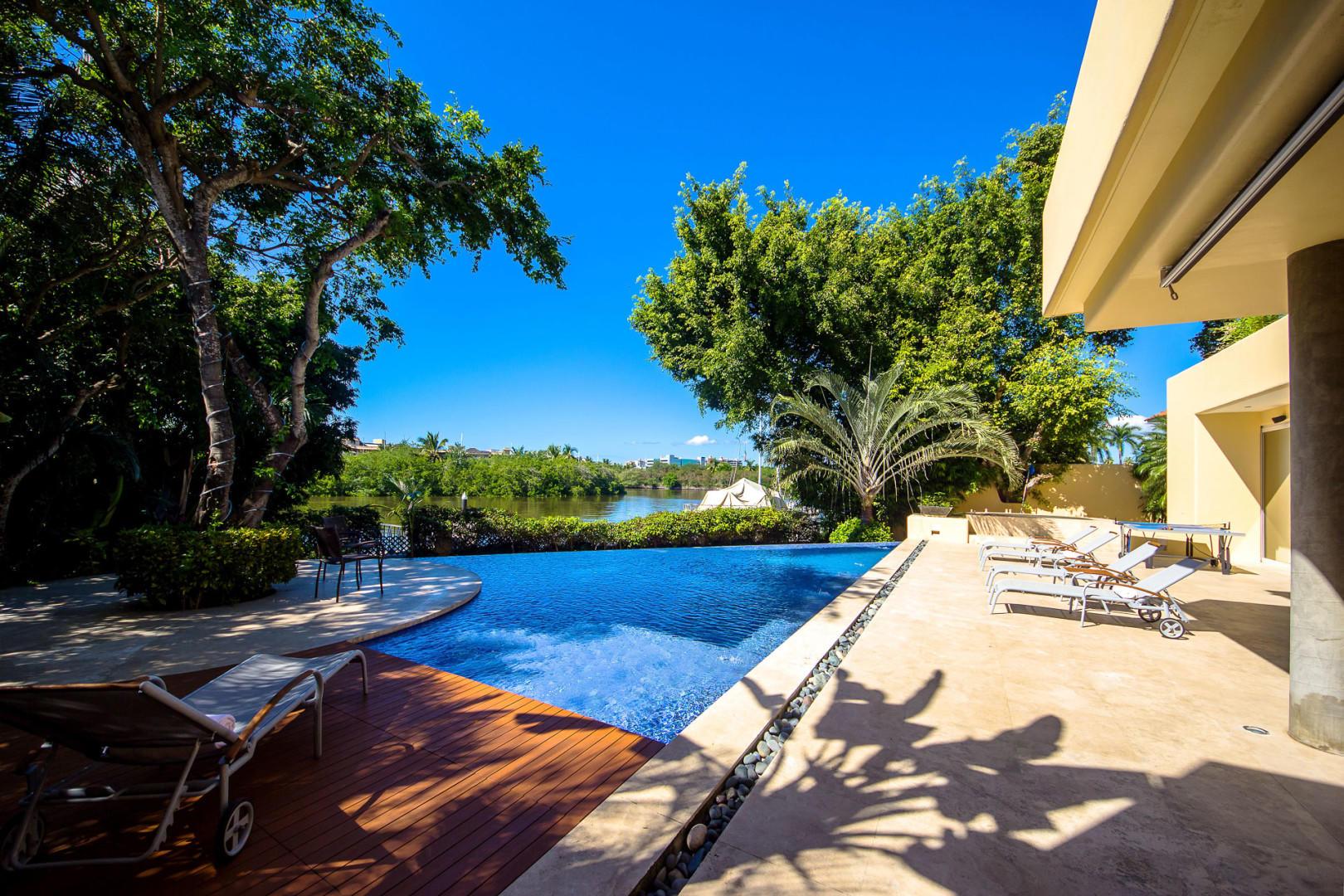 Nuevo Vallarta West, 4 Bedrooms Bedrooms, ,6 BathroomsBathrooms,House,For Sale,cerrada de la playa lote 10,20730