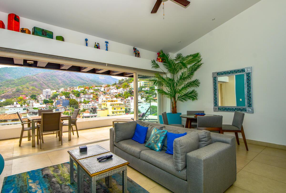Centro South, 1 Bedroom Bedrooms, ,2 BathroomsBathrooms,Condo,For Sale,VENUSTIANO CARRANZA #290,21057
