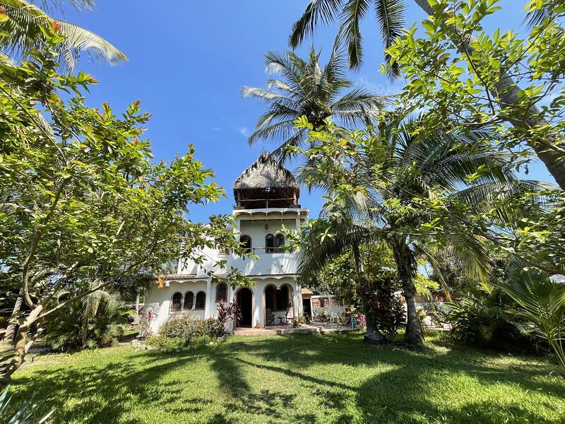 Lo de Marcos, 3 Bedrooms Bedrooms, ,2 BathroomsBathrooms,House,For Sale,Ave. Del Bosque,21173
