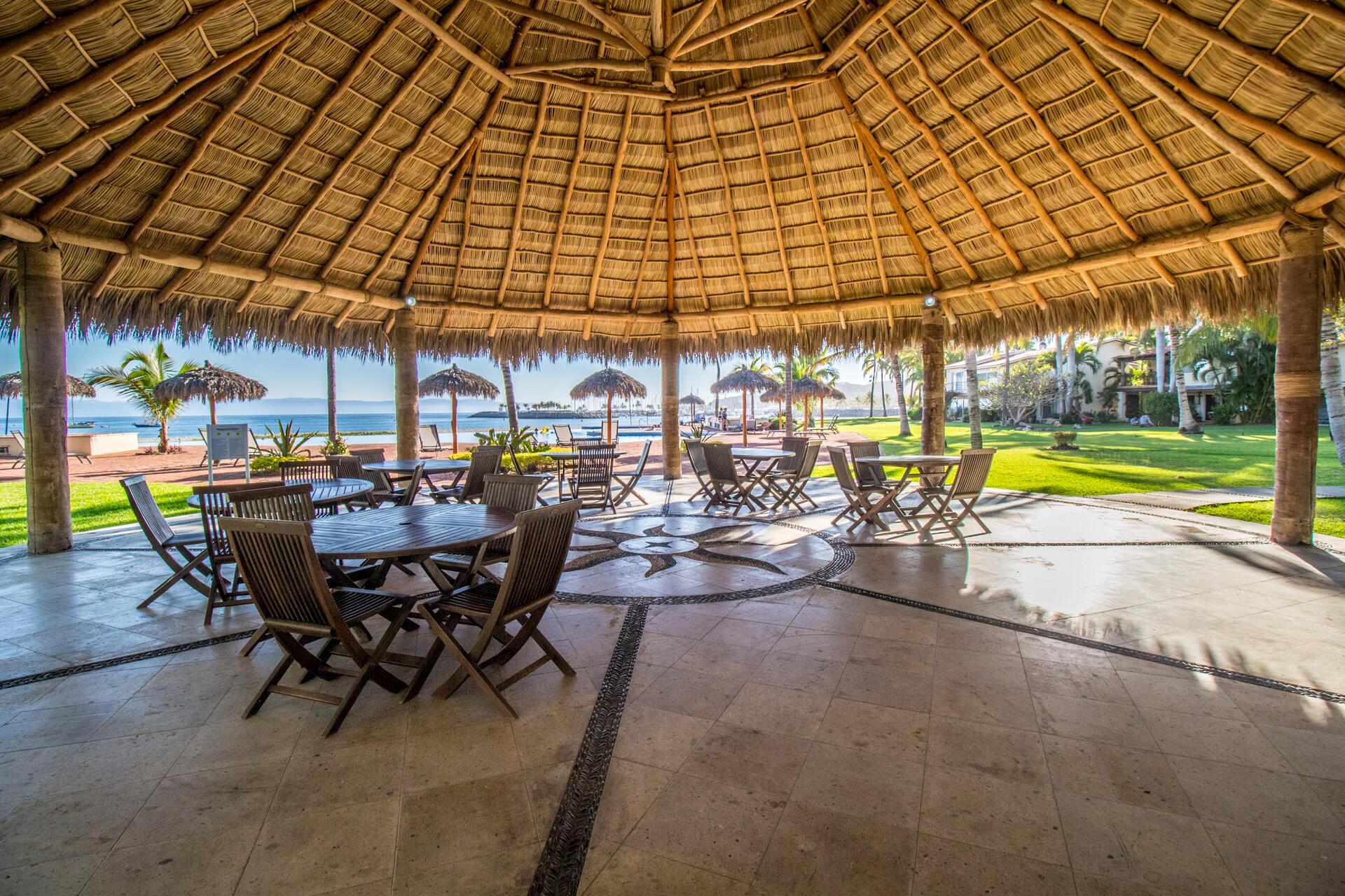 La Cruz de Huanacaxtle, 4 Bedrooms Bedrooms, ,2.5 BathroomsBathrooms,House,For Sale,Calle C,21491
