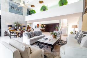 Nancy Valiente - 02 - Living & Dining Area - 4