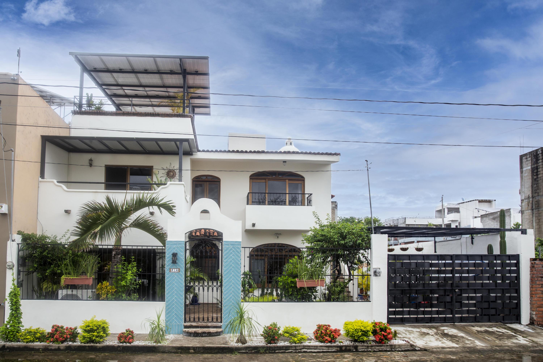 Bucerias, 4 Bedrooms Bedrooms, ,4 BathroomsBathrooms,House,For Sale,Calle Bucerias,21913