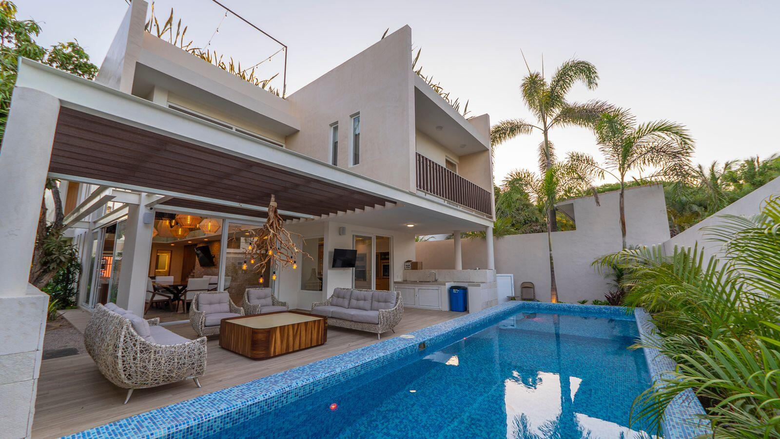 Bucerias, 5 Bedrooms Bedrooms, ,6.5 BathroomsBathrooms,House,For Sale,Mangos,21955