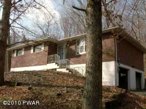 139 UPPER LAKEVIEW Dr, Hawley, PA 18428