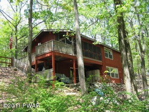 141 HILLSIDE Dr, Lords Valley, PA 18428