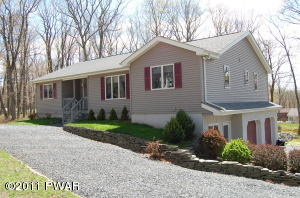 801 Lasso Court North, Lords Valley, PA 18428