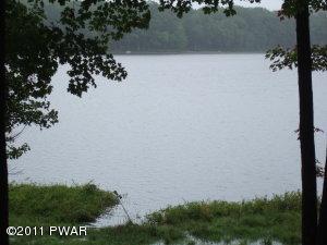 213 Shore Dr, Hawley, PA 18428