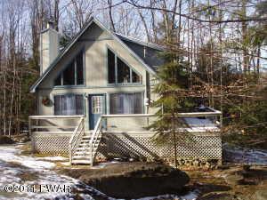 32 Pine Creek Rd, Lake Ariel, PA 18436