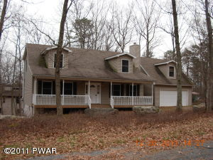 121 Rodeo Ln, Lords Valley, PA 18428