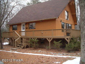 129 Franklin Dr, Lords Valley, PA 18428