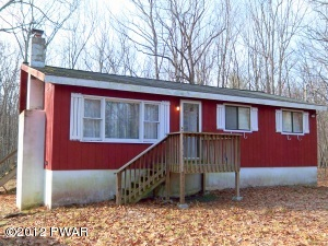 172 Oak Hill Rd, Hawley, PA 18428