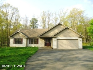 103 Surrey Ln, Lords Valley, PA 18428