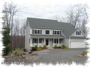 110 Eagle Crest Rd, Greentown, PA 18426