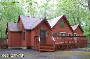 113 Curlew Dr, Lords Valley, PA 18428