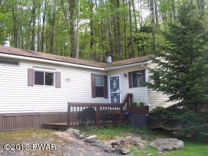 131 South Granite Rd, Greentown, PA 18426