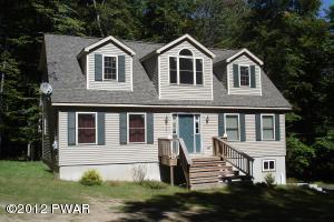 715 Timber Ridge Cir, Greentown, PA 18426