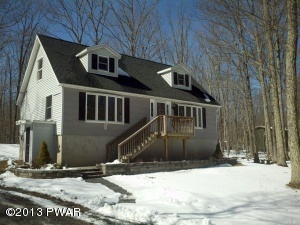 111 DEER TRAIL Dr, Hawley, PA 18428