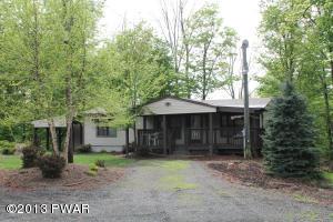 169 Hilltop Cir, Greentown, PA 18426