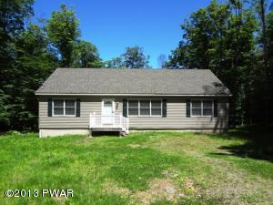 139 Fawnwood Dr, Greentown, PA 18426
