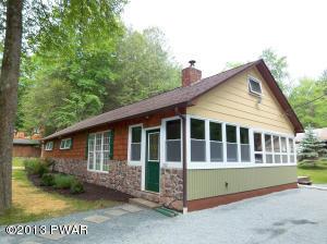 102 Highland Dr, Lakeville, PA 18438