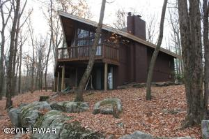120 Eagle Crest Rd, Greentown, PA 18426