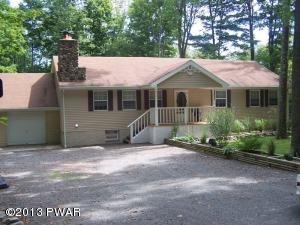 115 Lakeview Dr, Greentown, PA 18426
