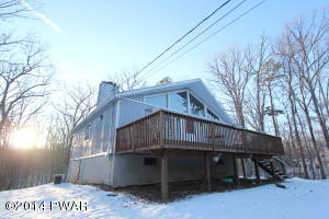109 Acorn Ct, Lackawaxen, PA 18435