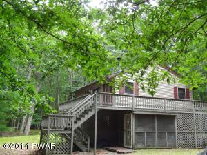 110 Birchwood Ln, Hawley, PA 18428