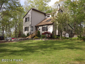154 Parkwood Dr, Hawley, PA 18428