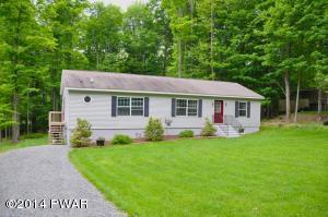 109 Colonial Ln, Greentown, PA 18426