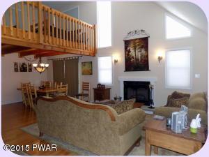 1037 Cedar Dr, Lake Ariel, PA 18436