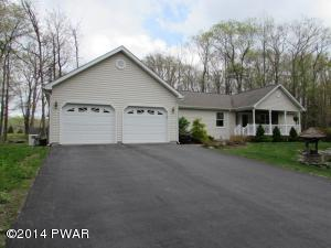 125 Mustang Dr, Lords Valley, PA 18428