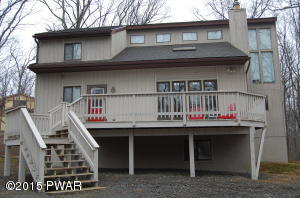 413 Canoebrook Drive, Lords Valley, PA 18428