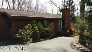 147 Lookout Dr, Hawley, PA 18428
